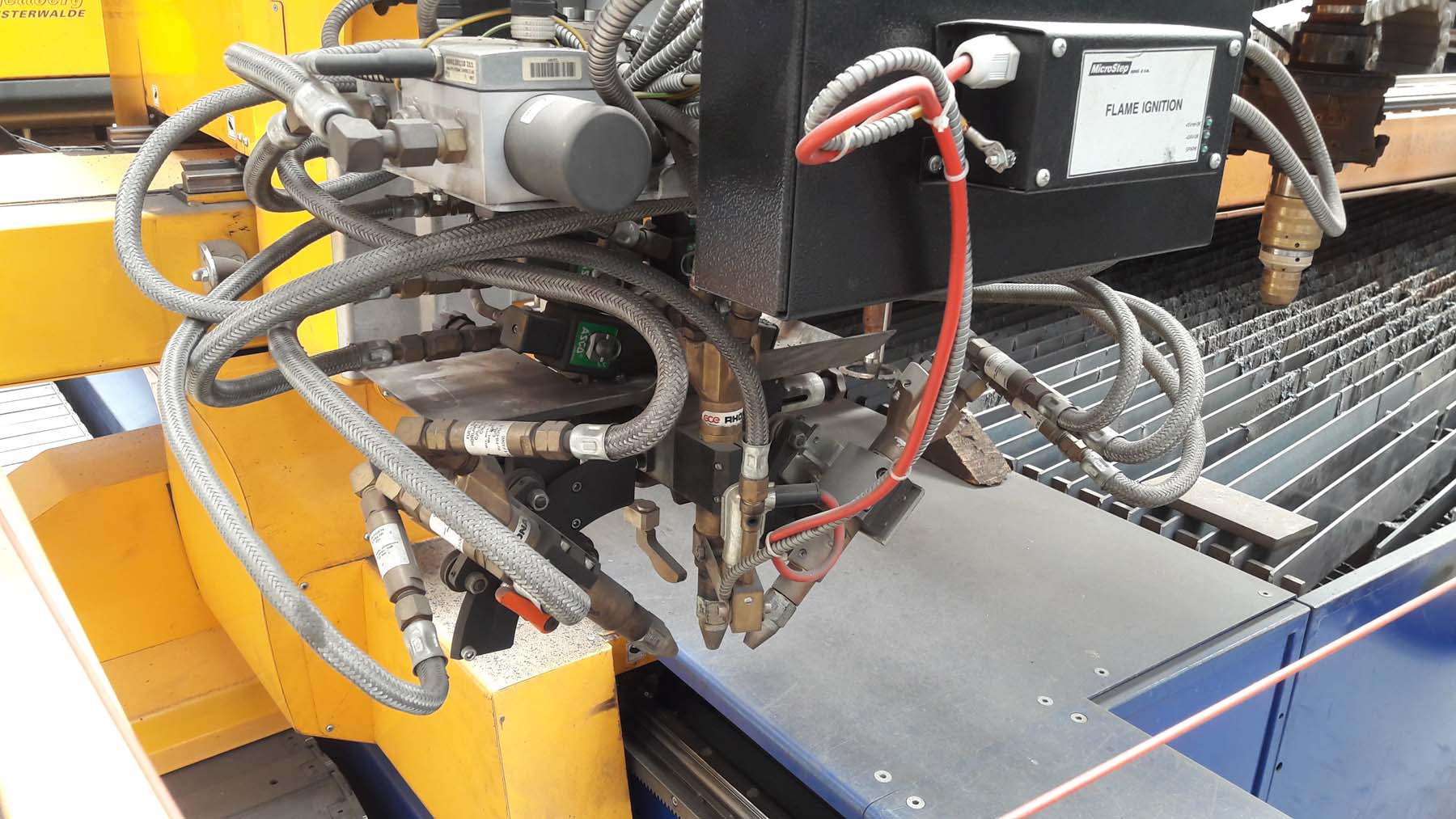 5049-automatic welding line.07