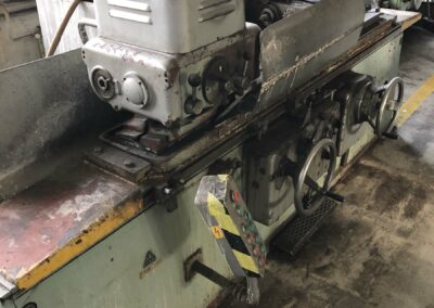 #05188 Universal cilindrical grinding machine TOS B40U/1000