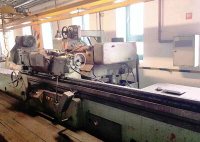 #05200 TOS Universal Cylindrical Grinder BUA63/3000 – video available ▶️