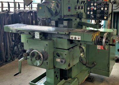 #05256 Milling Machine TOS FGS 25/32