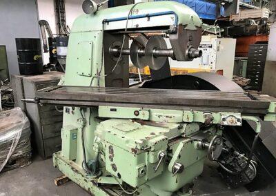 #05257 Universal Milling Machine TOS FA5U