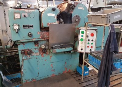 #05505 Centreless grinding machine TOS BB10
